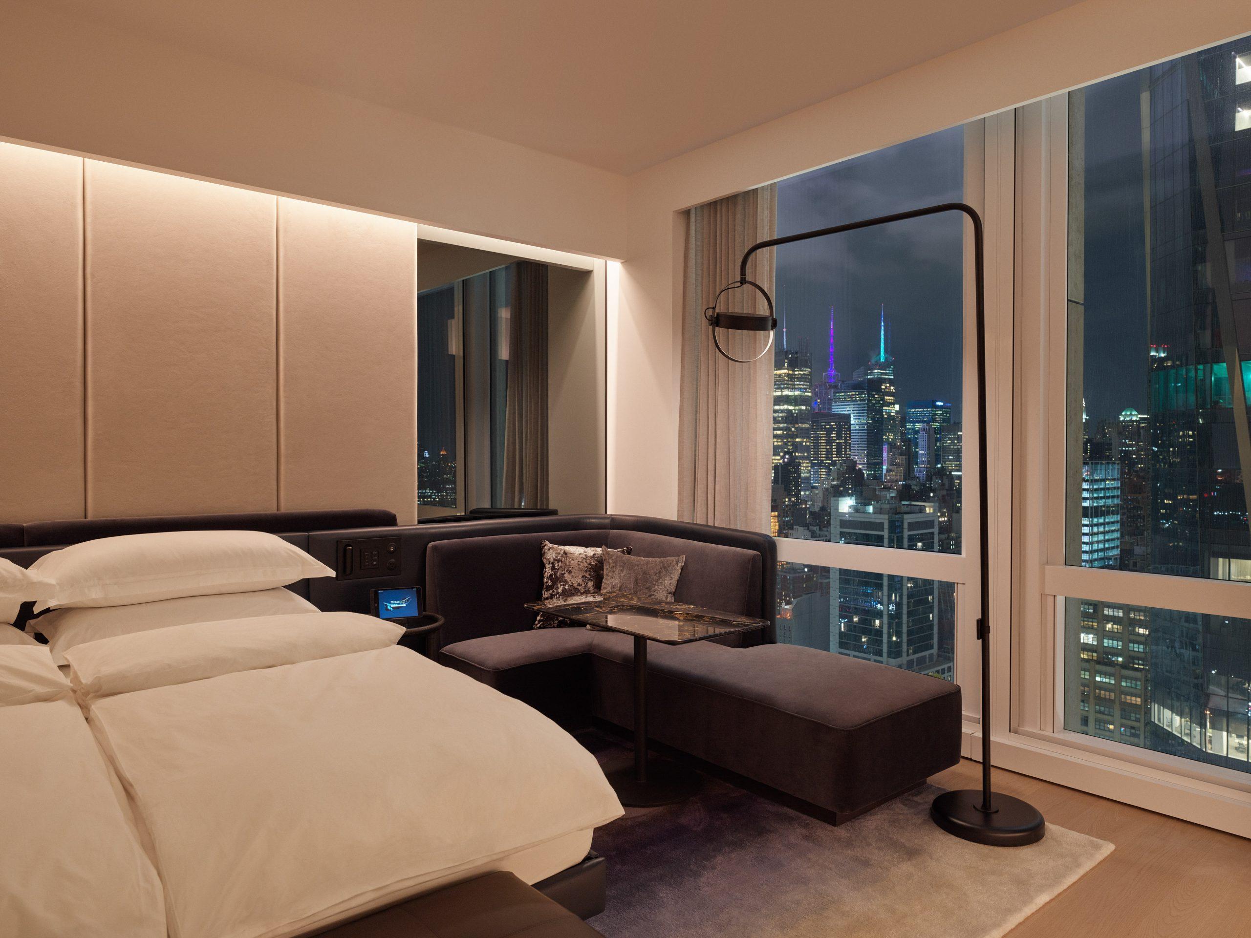 deluxe king room cityview