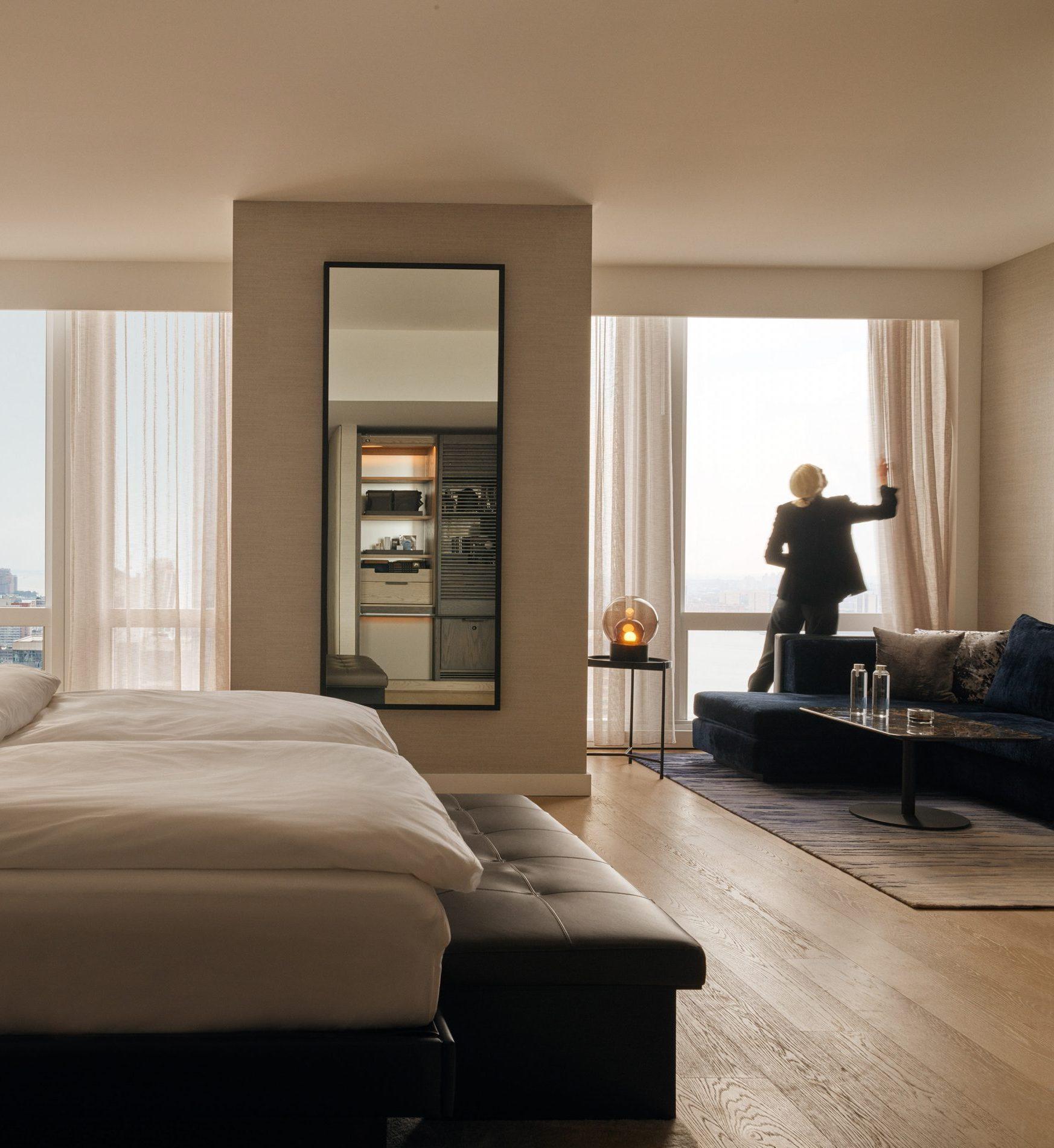 <equinox hotel premier king room