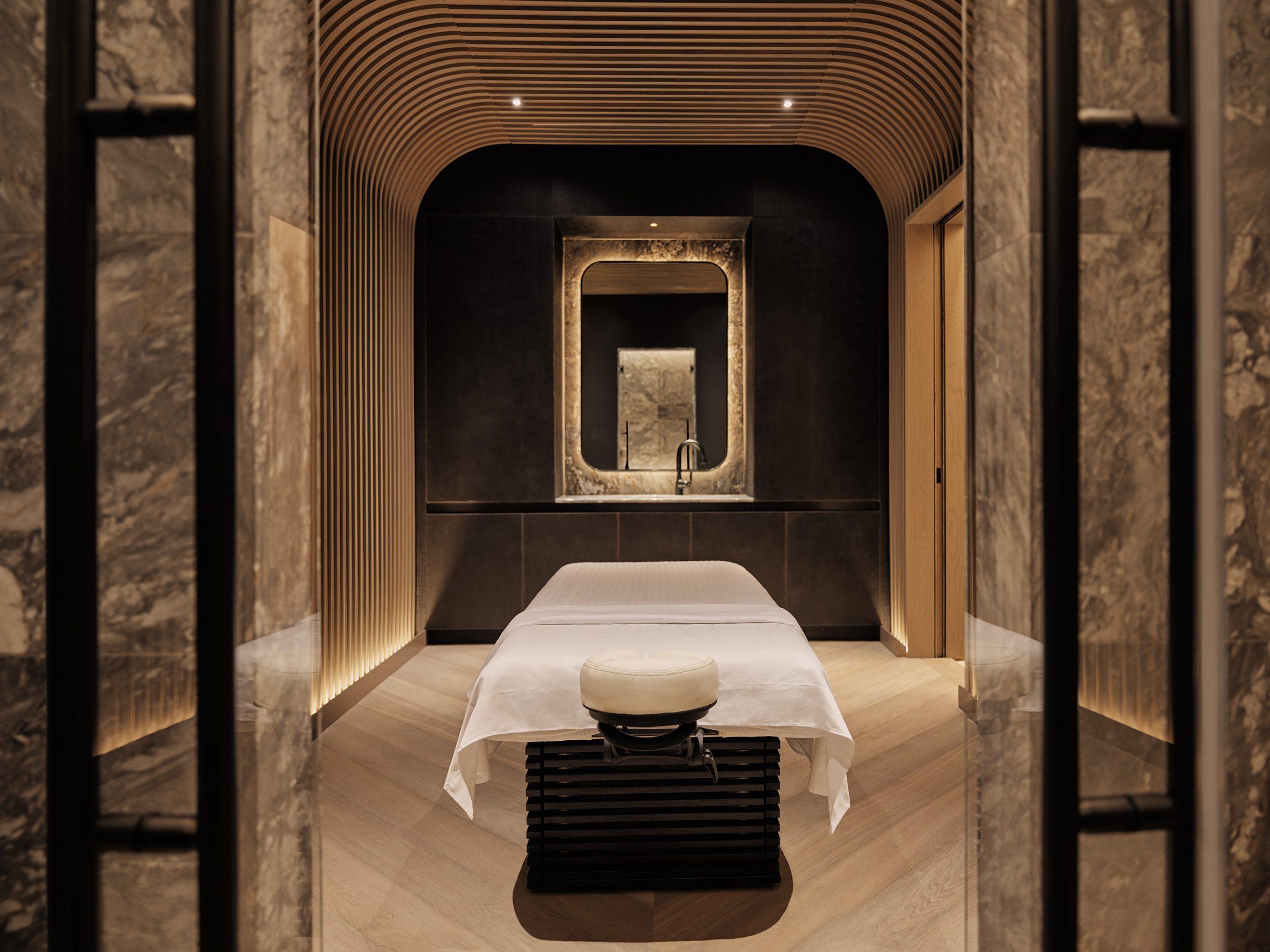spa treatment room equinox hotel